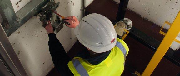 hydraulic lift modernisation