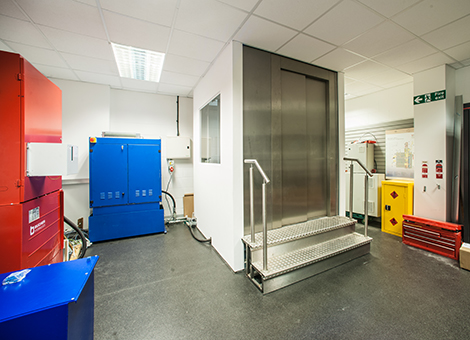 hydraulic training lift